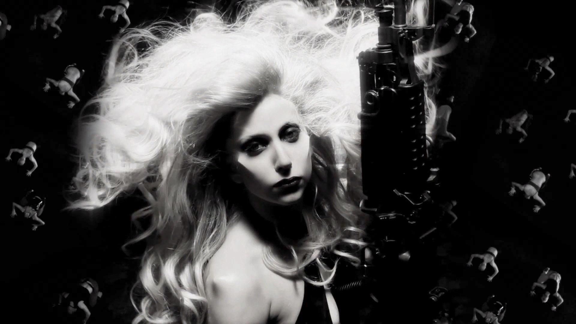 Gaga_Born-This-Way_03