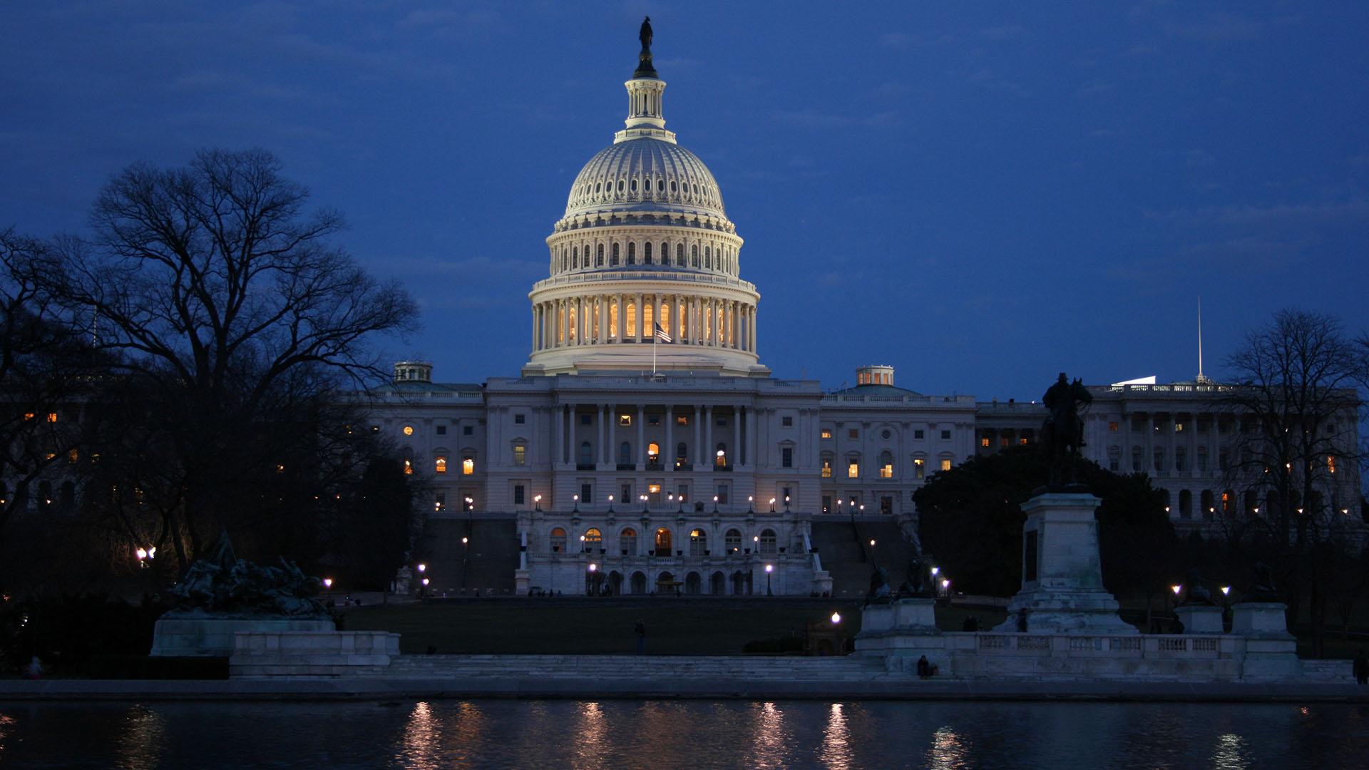 Capitol_Night_IMG_7229