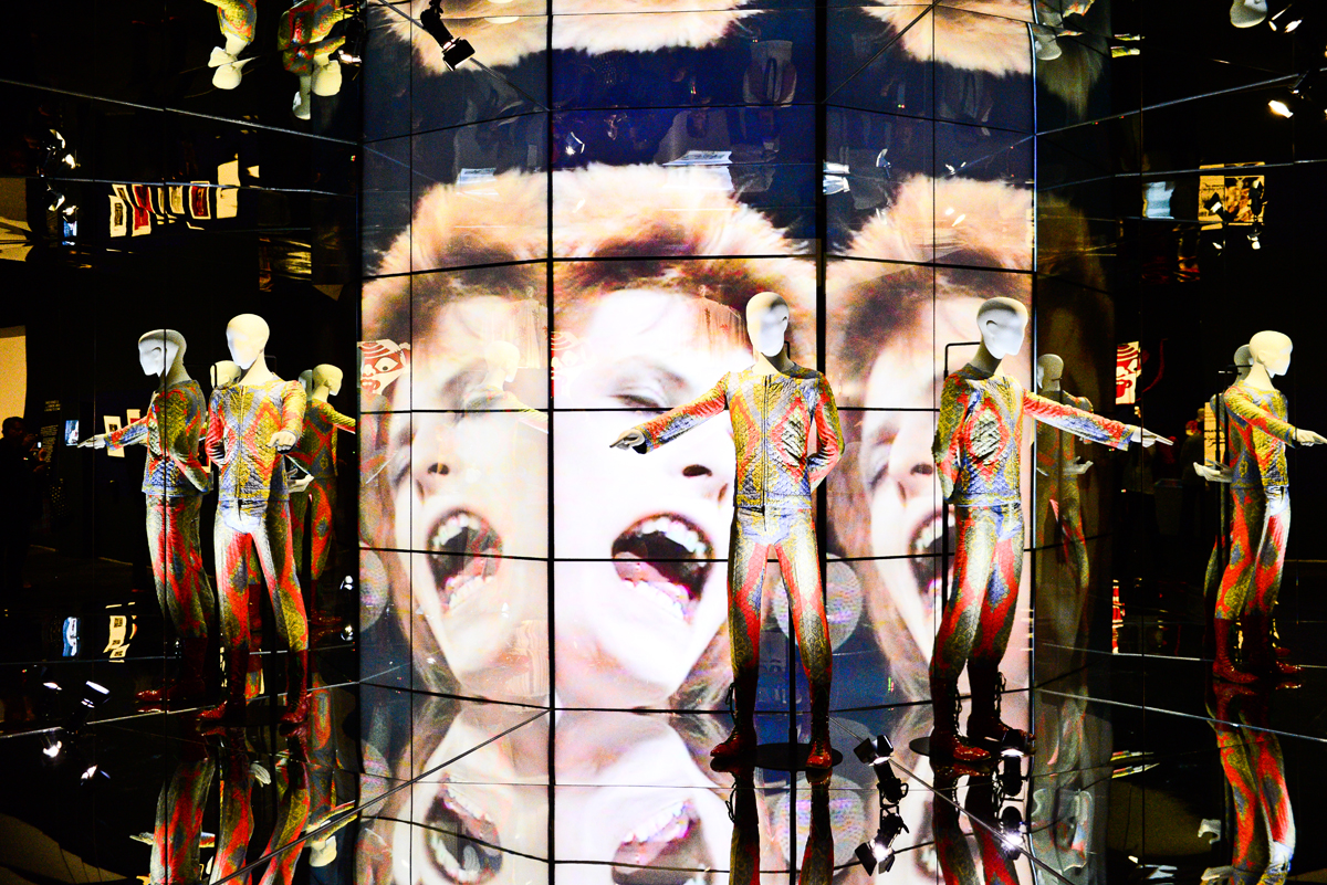 David-Bowie-Is_MCA-8