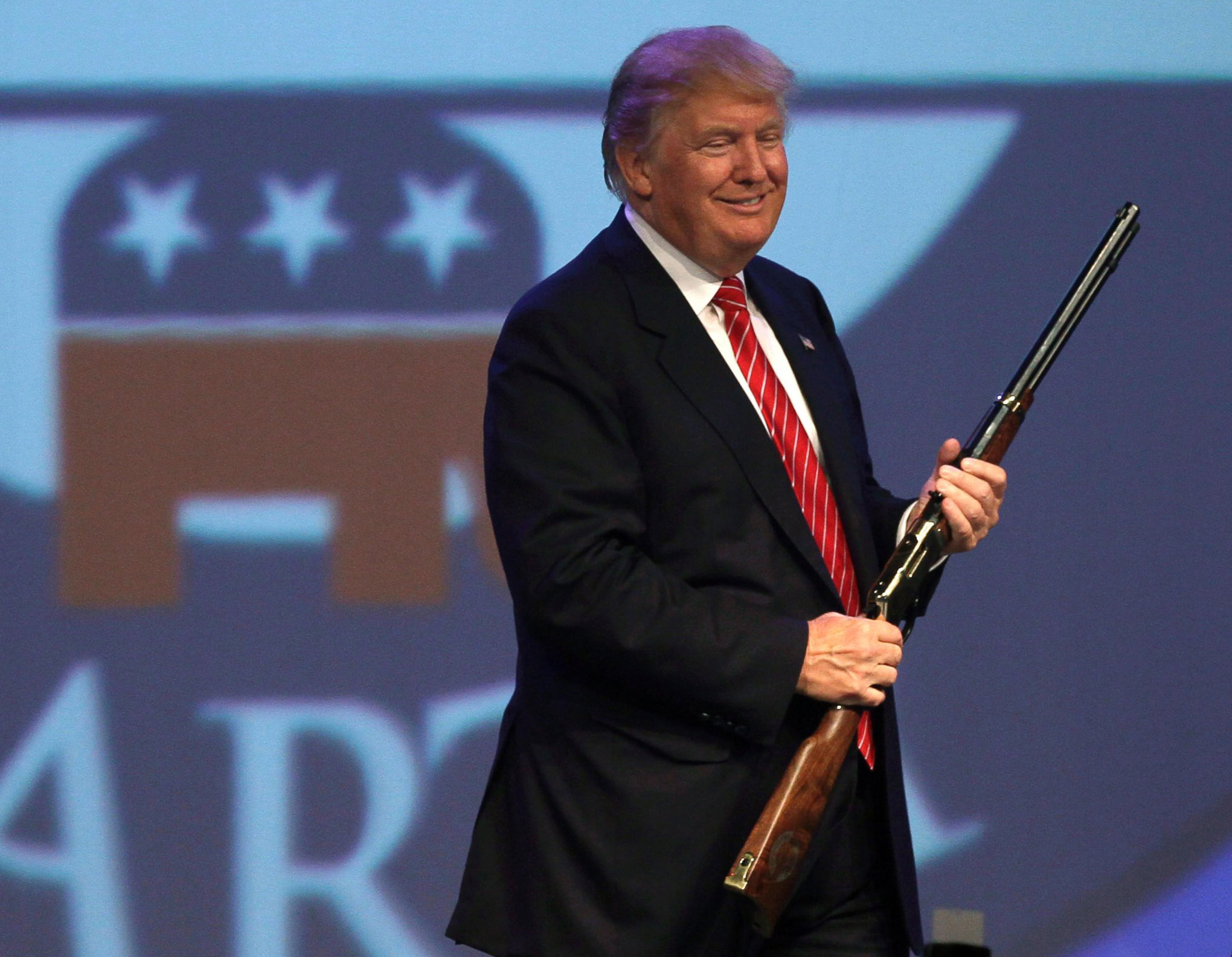 AP_trump_guns_as_160519_crop