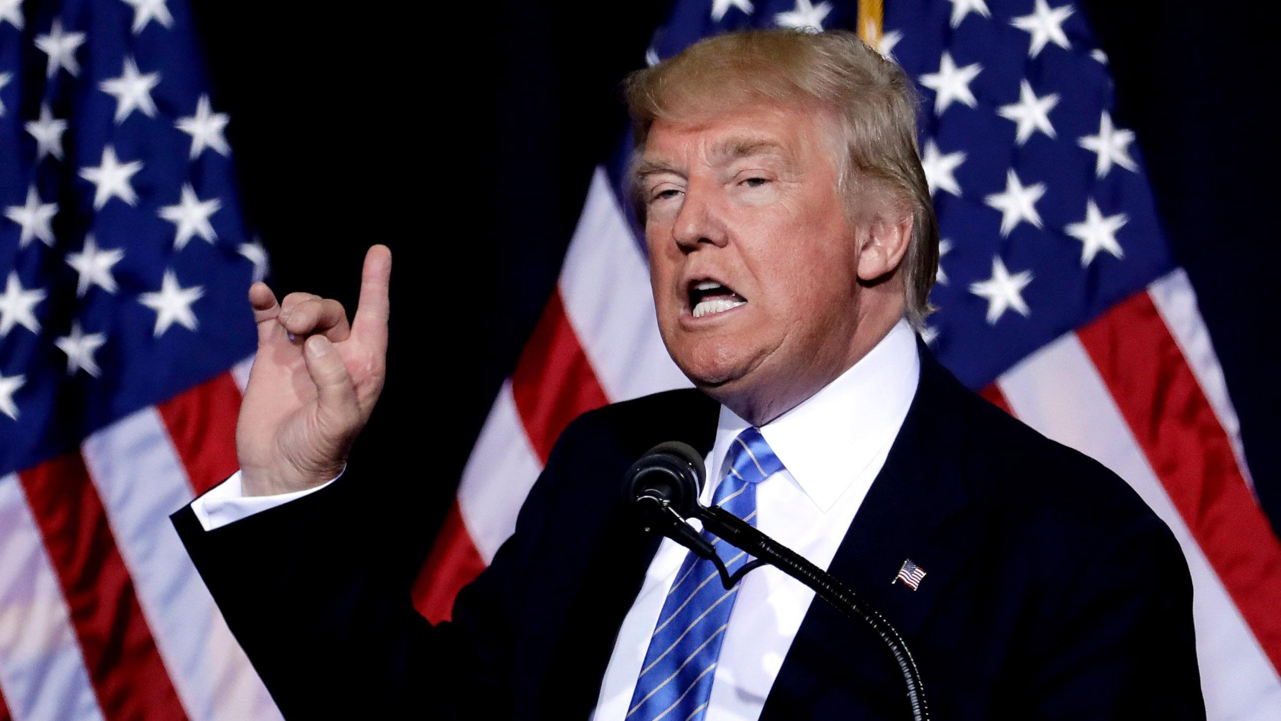 AP_Trump_Phoenix_MEM_160831_sm