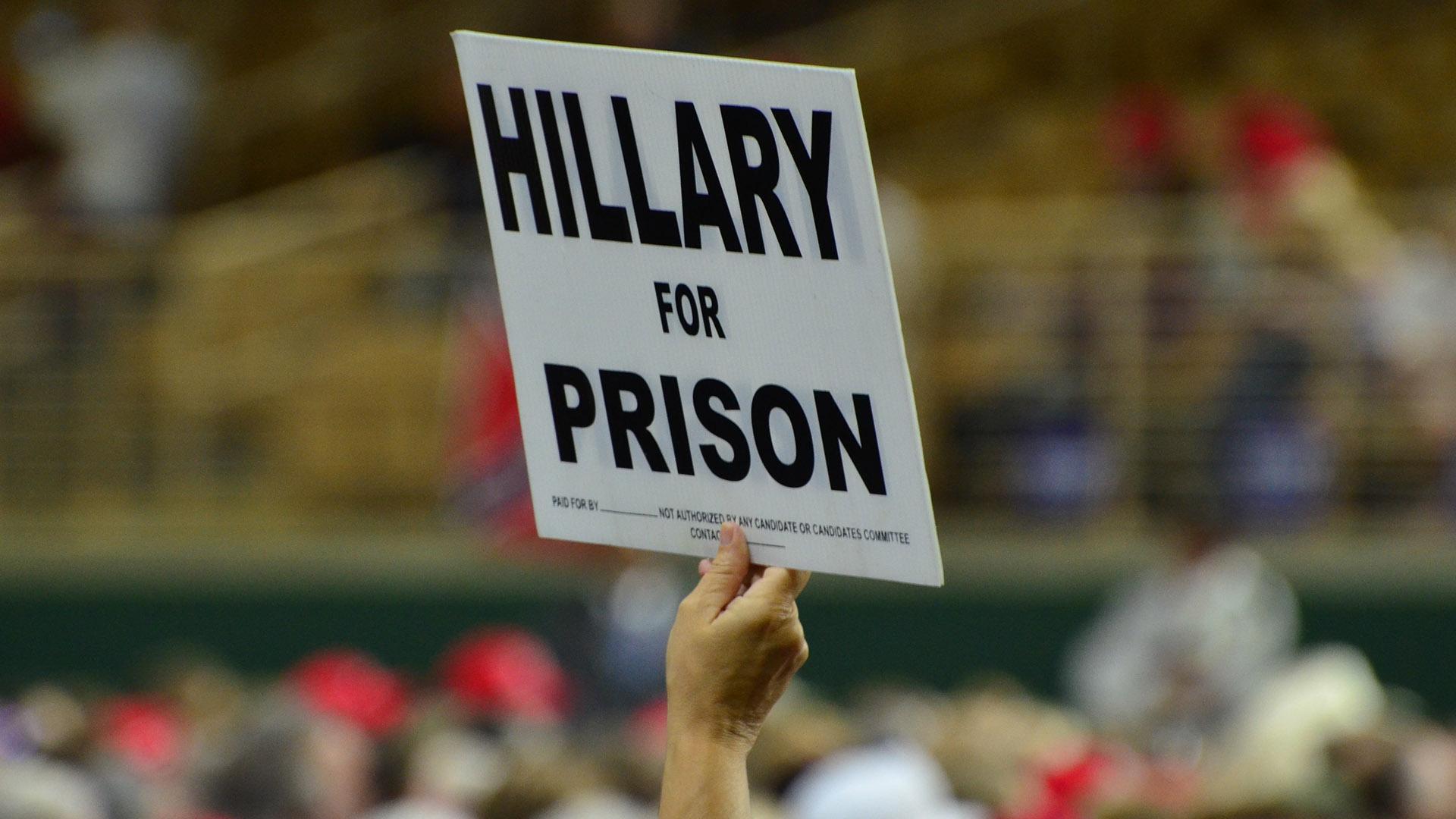 trump_hillary_prison_dsc_0341_sm